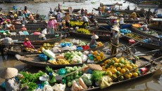 Cai_Rang_floating_market
